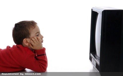 فاصله چشم از تلویزیون