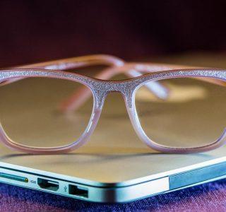 عینک مخصوص گوشی اصفهان